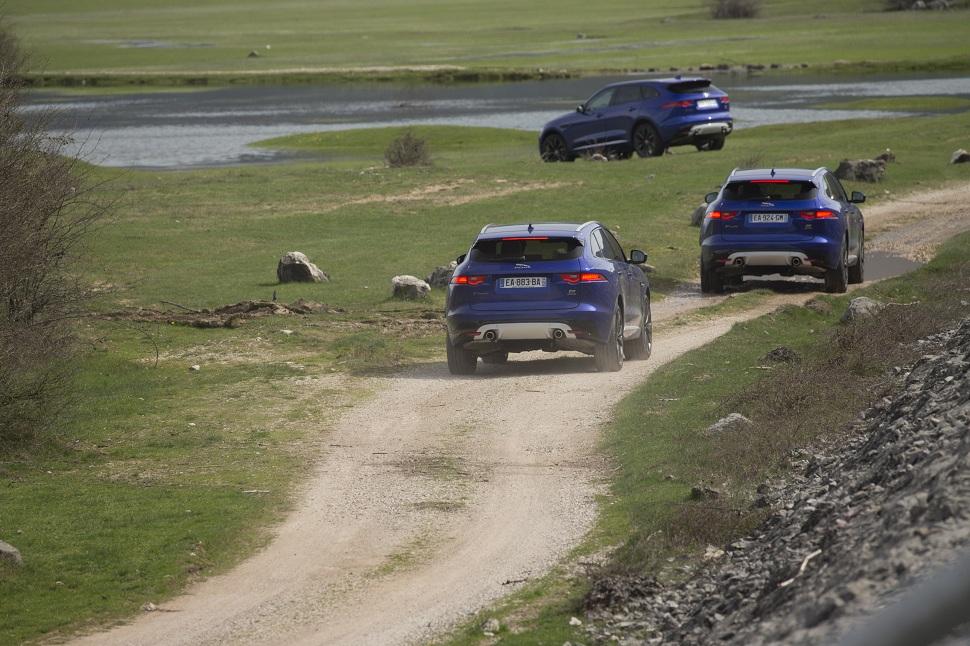 La nouvelle Jaguar F-pace est à l'aise sur tous les terrains. Nous l'avons testée dans plusieurs conditions, elle a franch tous les obstacles sans rechigner et dans de parfaites conditions de confort.