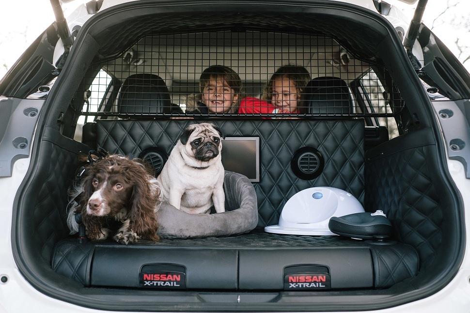 nissan l 39 x trail 4dogs un crossover qui a du chien sayarti. Black Bedroom Furniture Sets. Home Design Ideas