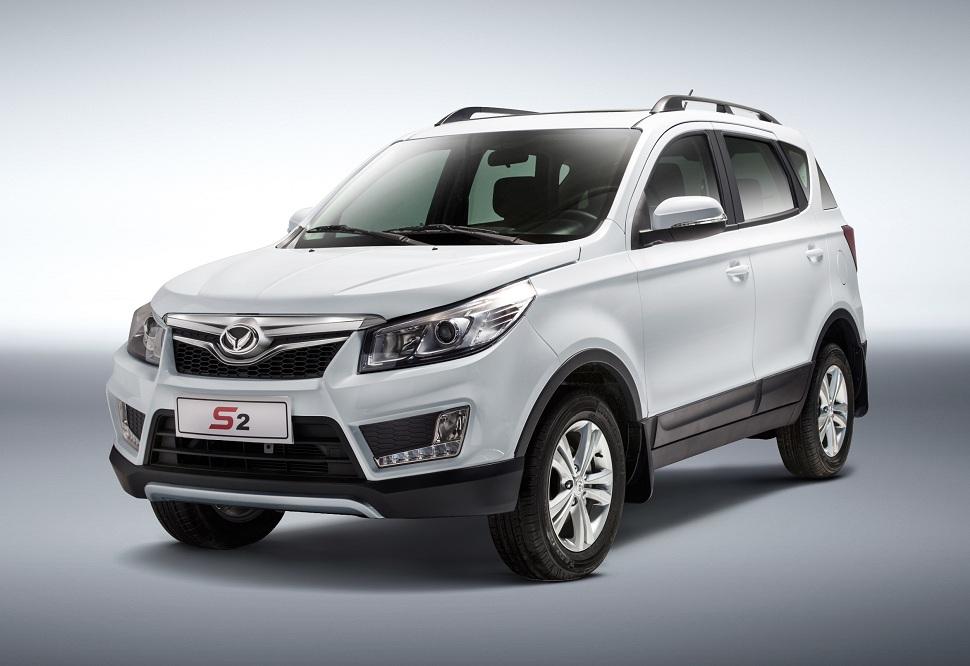 SUV compact alliant esprit sportif baroudeur et maniabilité d'une citadine avec l'ergonomie d'un monospace. Moteur 4 cylindres 1,5L essence (puissance fiscale: 7 CV).