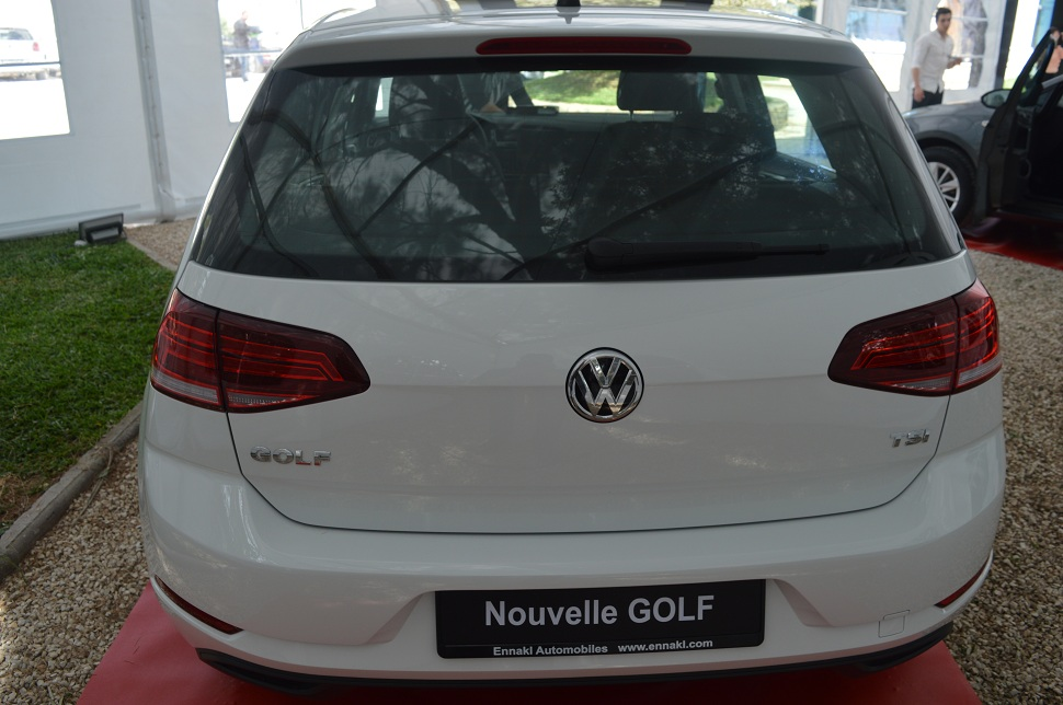 volkswagen voici venue la nouvelle golf 7 version 2 sayarti. Black Bedroom Furniture Sets. Home Design Ideas