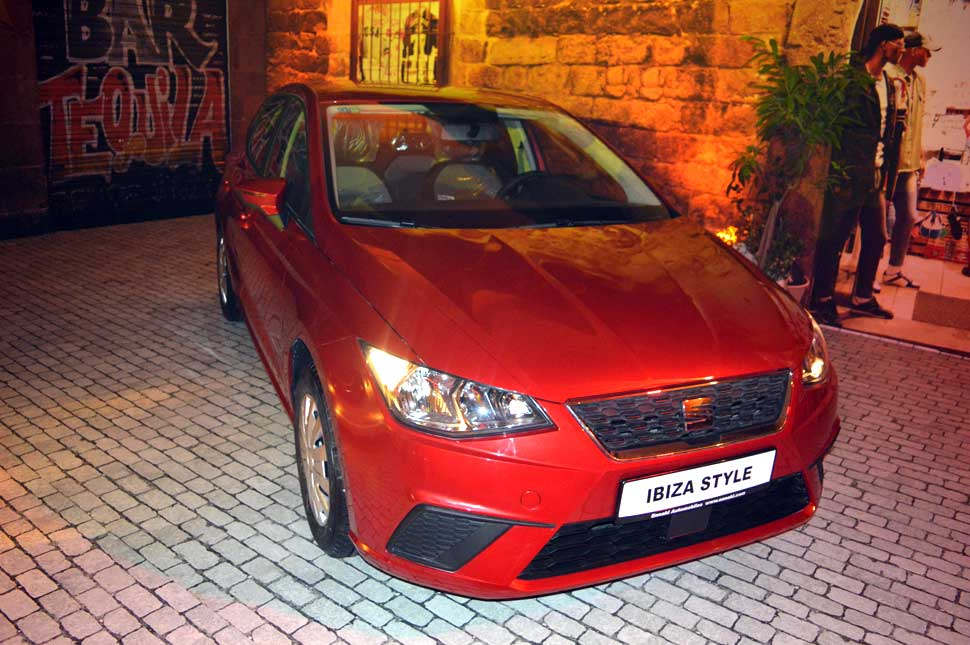 automobile-seat-ibiza-tunisie-rouge