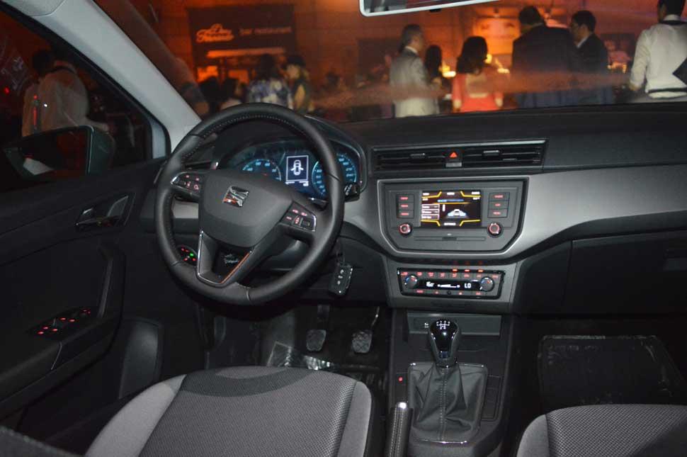 automobile-seat-ibiza-tunisie-tableau-bord