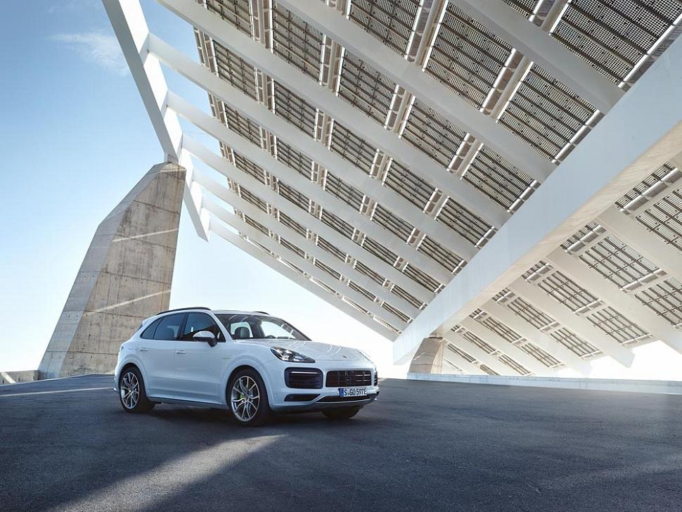 automobile-porsche-hybride
